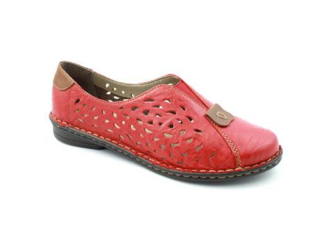 lyukacsos cipő